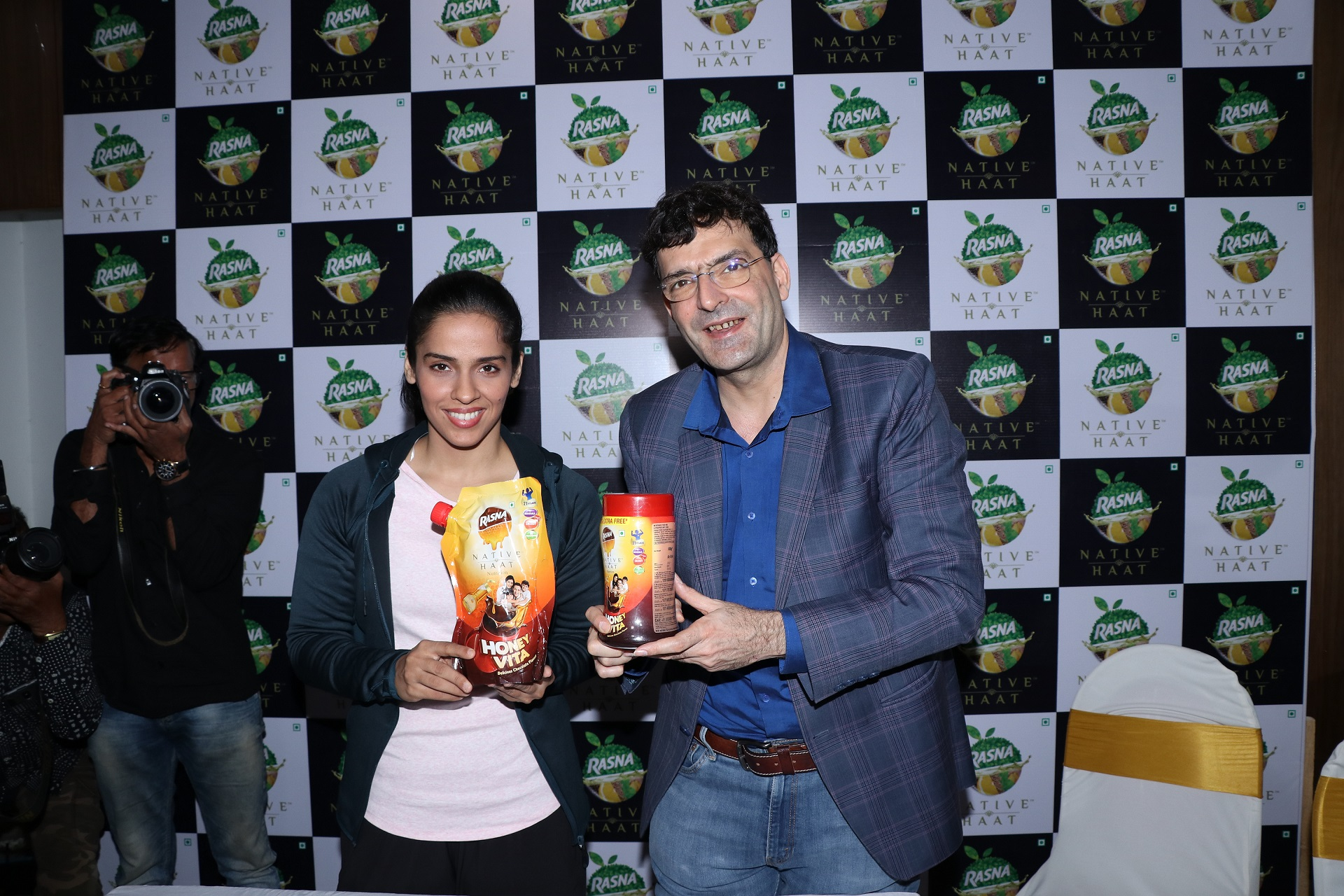 Saina Nehwala with Mr.Piruz Khambatta, Chairman - Rasna Pvt.Ltd at Rasna Native Haat range launch